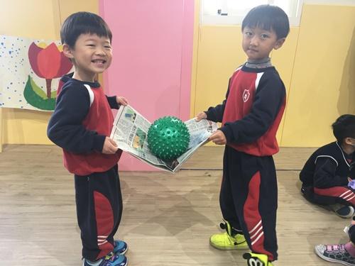 0123運動友誼賽之報紙傳球 (32)-028