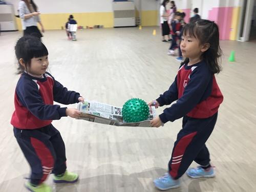 0123運動友誼賽之報紙傳球 (38)-029